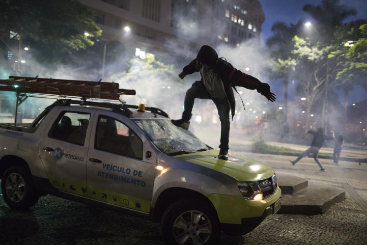 Enfrentamientos en Río de Janeiro tras huelga