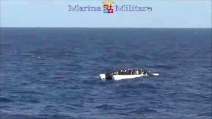 Marina italiana rescata a migrantes