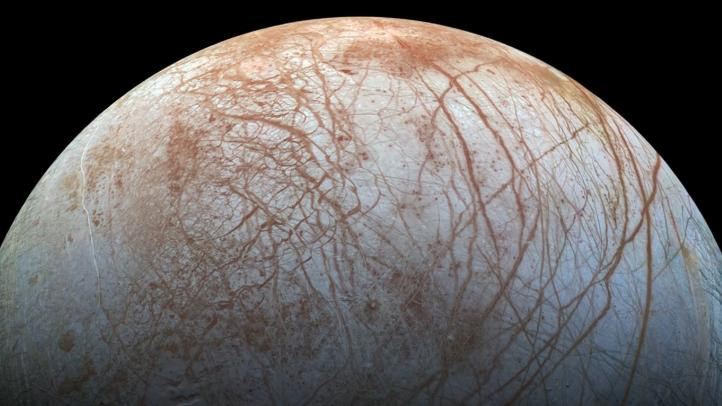 Cuchillas de hielo complican aterrizar en luna de Júpiter