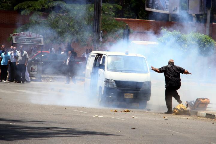Mueren dos policías egipcios por explosiones cerca del palacio presidencial en El Cairo