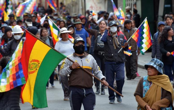 En Bolivia, miles aclaman a Evo