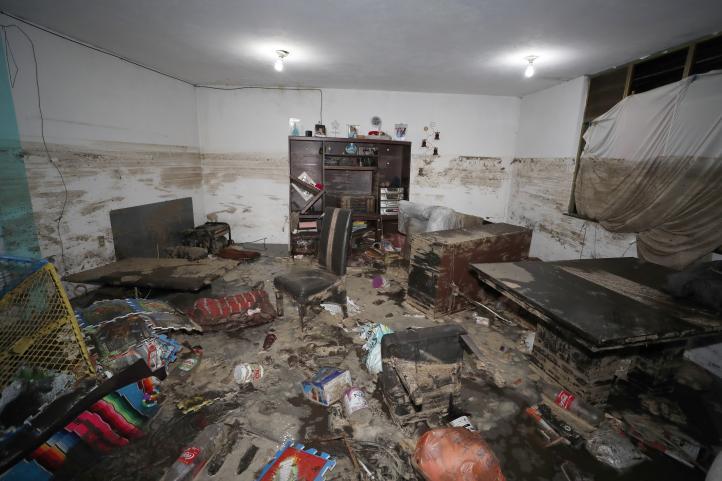 """""""Todo se nos perdió"""", lamentan vecinos de Xochimilco; hay 400 hogares afectados por la lluvia"""
