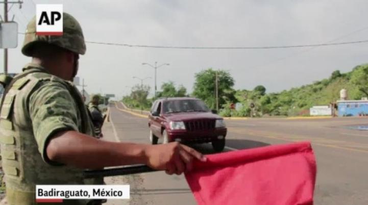 Soldados vigilan el poblado natal de 'El Chapo' Guzmán