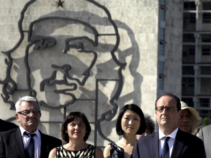 Inicia Hollande primera visita de un presidente francés a Cuba