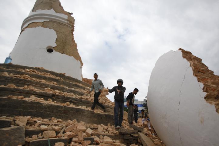 Nepal: Rescatistas intentan llegar a más zonas afectadas por sismo