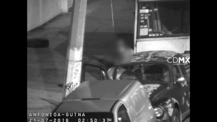 Detienen a dos personas, luego de que robaron herramienta de un coche