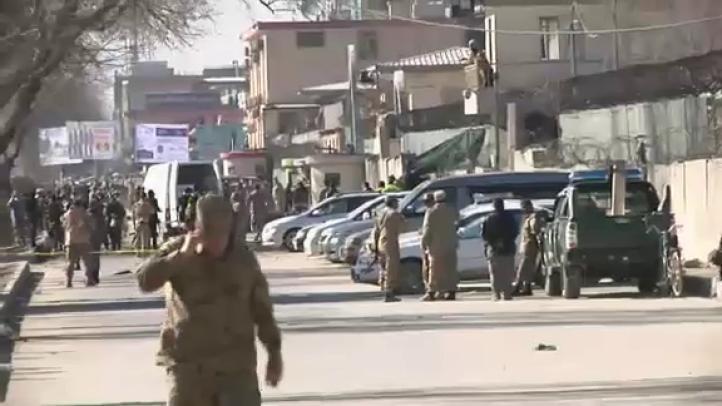 Ataque suicida en Afganistán deja al menos 9 muertos