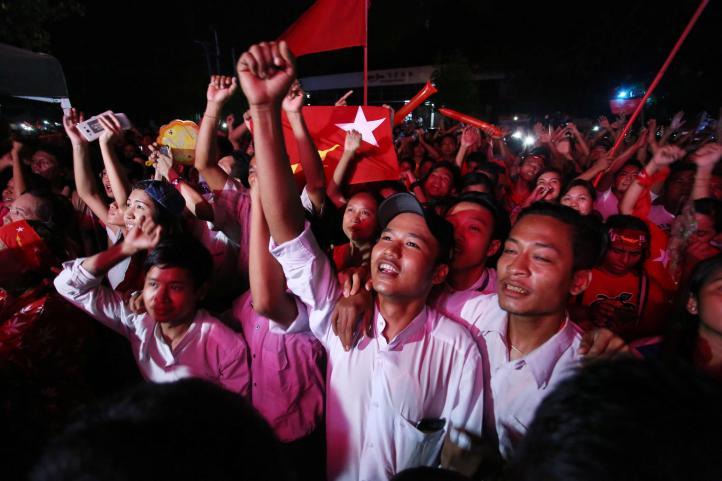 Votación masiva e histórica en Myanmar