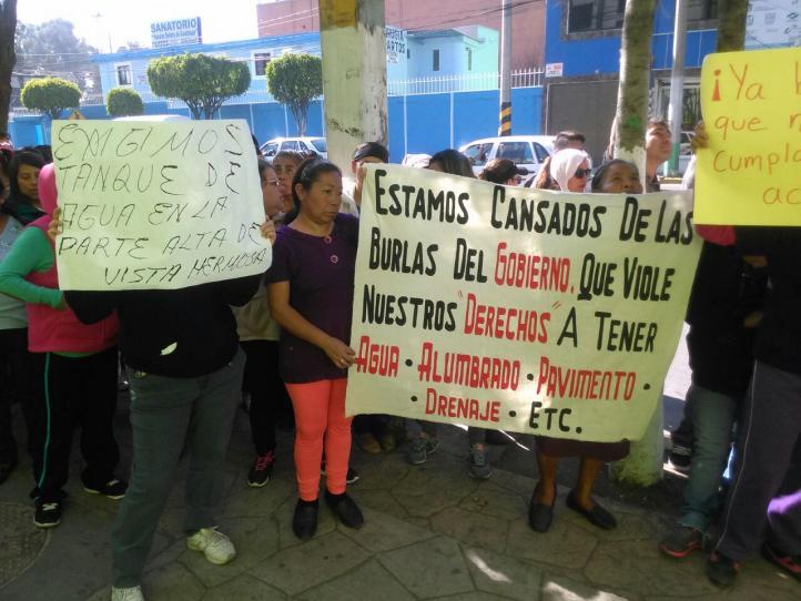 Vecinos de Ecatepec se manifiestan por falta de agua potable