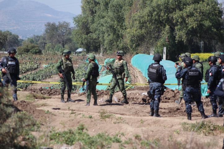 Pobladores de Otumba se enfrentan a golpes con militares por tomas clandestinas