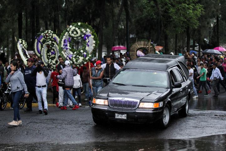 Un millar de personas acudieron a funeral de 'El Ojos'