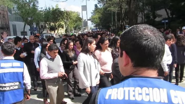 Simulacro en CDMX para conmemorar el sismo del 85