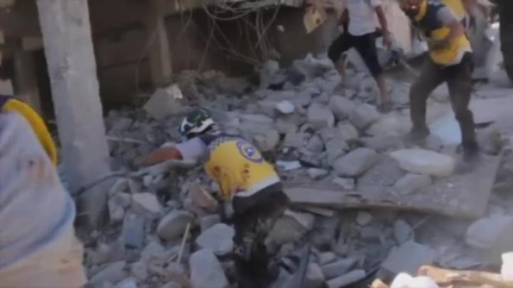 Al menos 23 muertos en ataque aéreo contra mercado en Siria