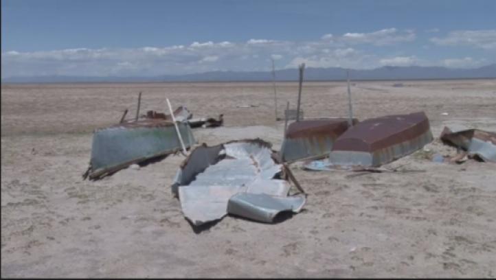 El lago andino que se convierte en desierto