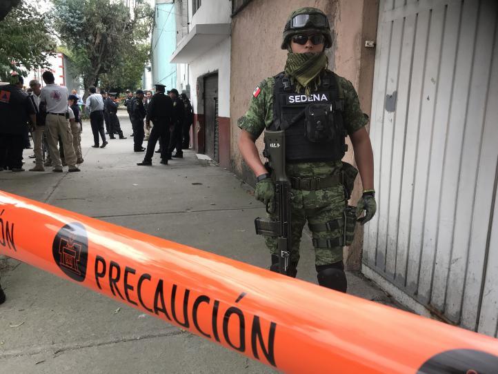 Hallan toma clandestina dentro de una casa en Iztacalco