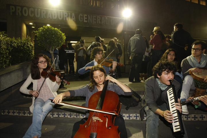 Protestan con música y baile por los detenidos del 20 de noviembre