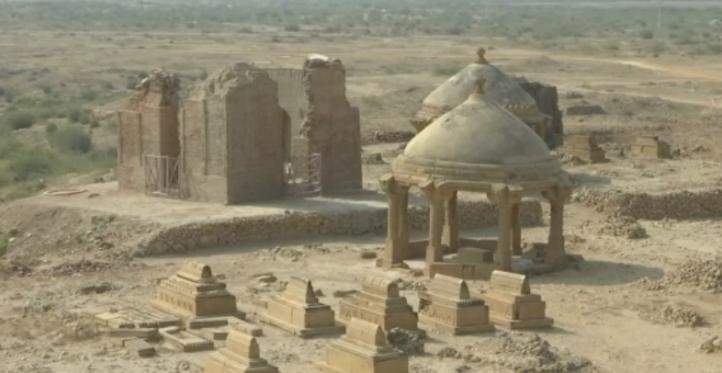 Tumbas históricas de Pakistán se pierden por el abandono