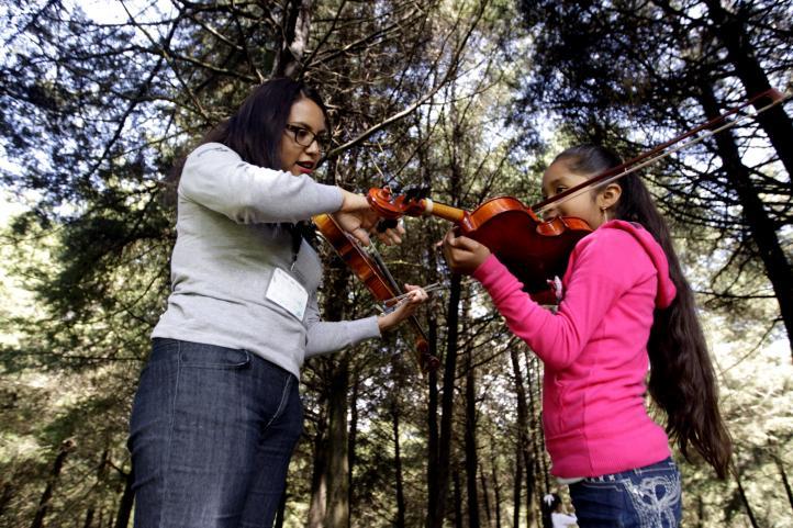 Orquesta y coro de niños es ariete del cambio social en Nurío