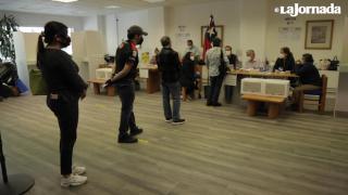 """""""Es un voto lleno de esperanza""""; chilenos en México votan por una nueva Constitución"""