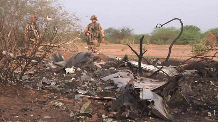 Recuperan caja negra del avión francés que se estrelló en Mali