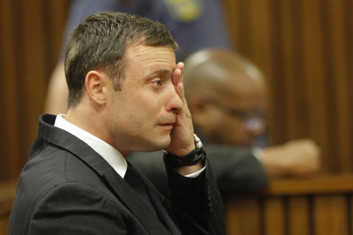 Absuelven a Pistorius de homicidio premeditado; el veredicto, mañana