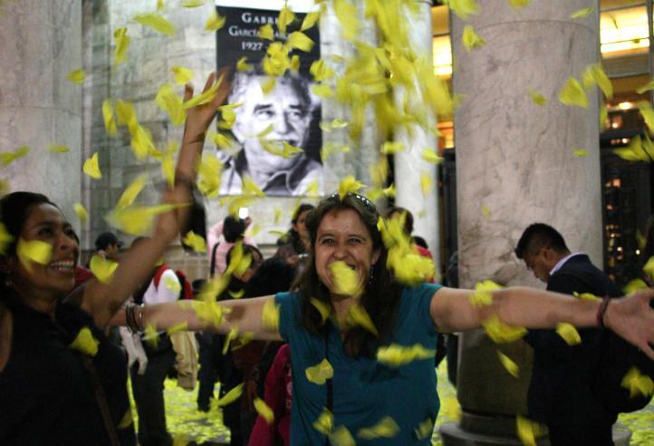 Jubiloso adiós a Gabo en el Palacio de Bellas Artes