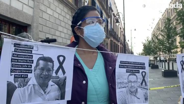Trabajadores de la salud protestan frente a Palacio Nacional