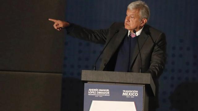 """""""No se puede acabar la violencia con más violencia"""": AMLO"""