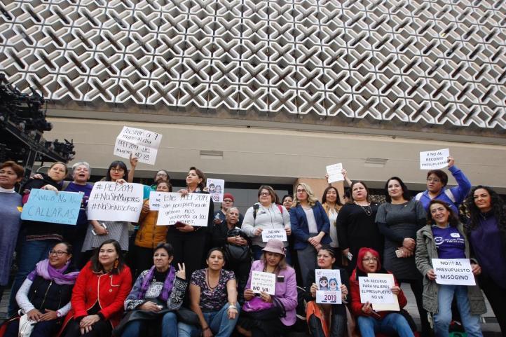 Rechazan feministas recorte al presupuesto público 2019