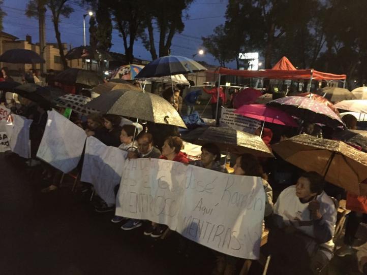 Damnificados instalan planton indefinido sobre Tlalpan