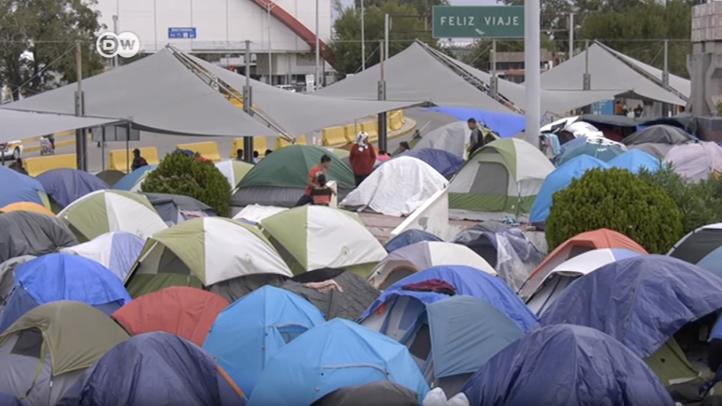 Centenares de migrantes acampan en Matamoros, Tamaulipas
