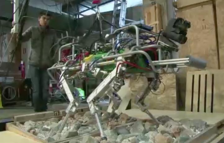 Ingenieros italianos crean robot cuadrúpedo