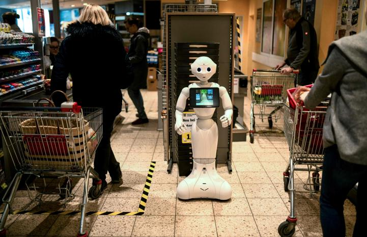 Aumenta demanda de robots para trabajar en tiendas en EU