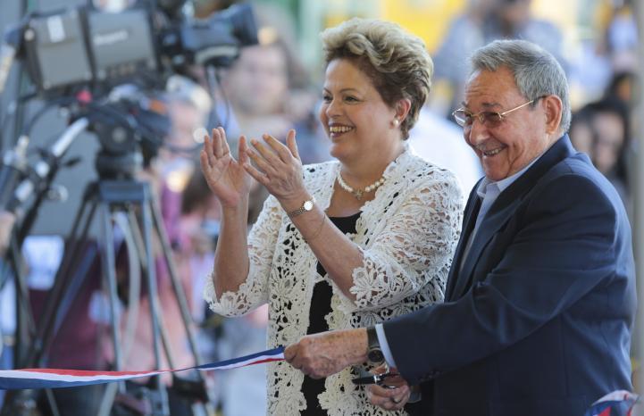 Castro y Rousseff inauguran ampliación del puerto de Mariel