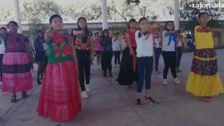 Juchitán: Alumnas de secundaria interpretan Un violador en tu camino
