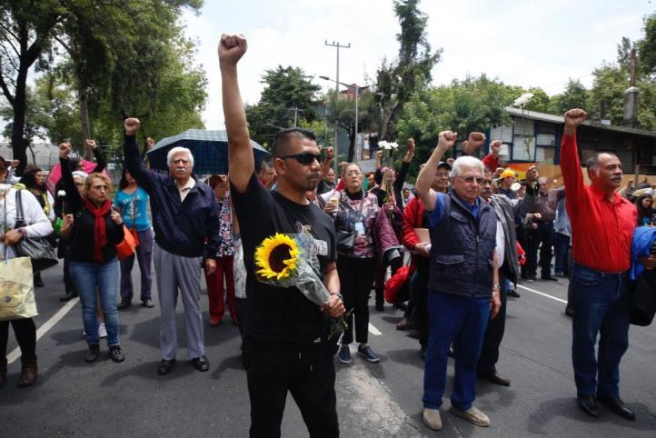 Damnificados del multifamiliar Tlalpan recuerdan a víctimas del 19/S