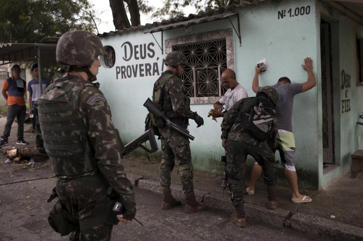 Operación militar en Rio aviva temor a la brutalidad policial