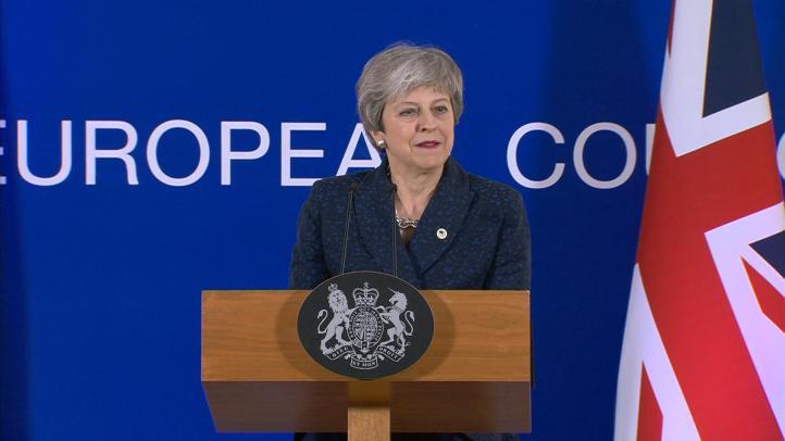 May promete dimitir si el Parlamento aprueba su plan, según ITV