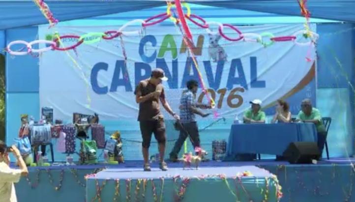 Celebran carnaval canino en Perú