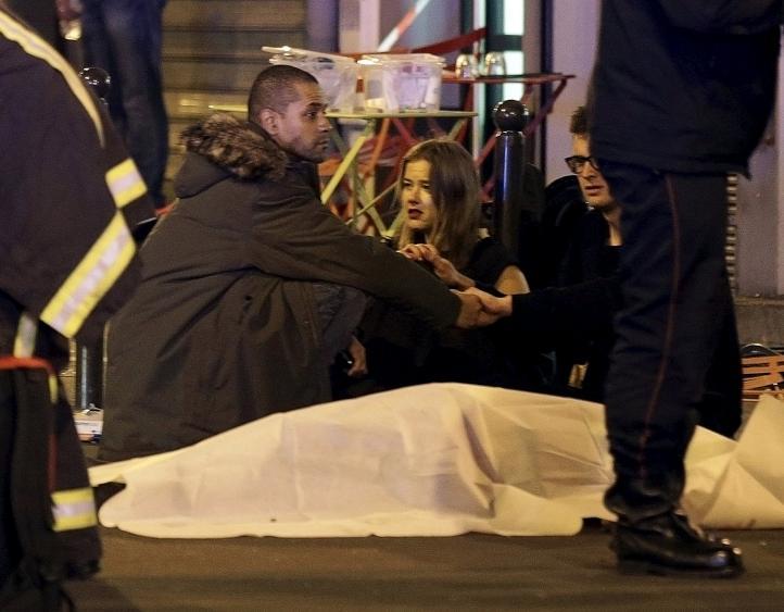 Al menos 35 muertos por atentados en París; reportan toma de rehenes