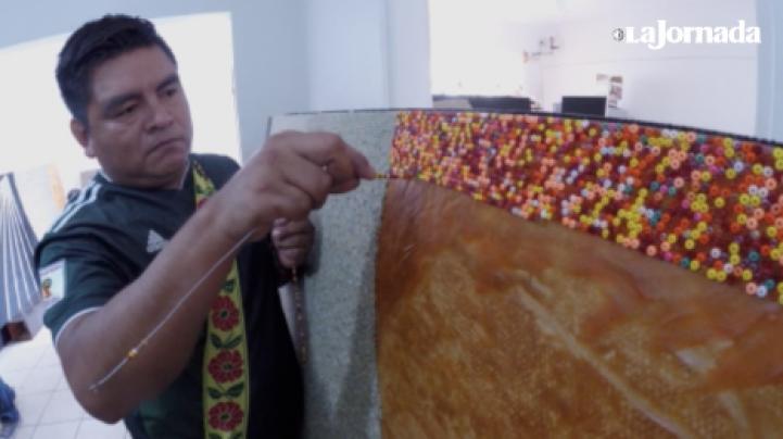 Wixárikas están creando el mosaico de chaquira más grande del mundo