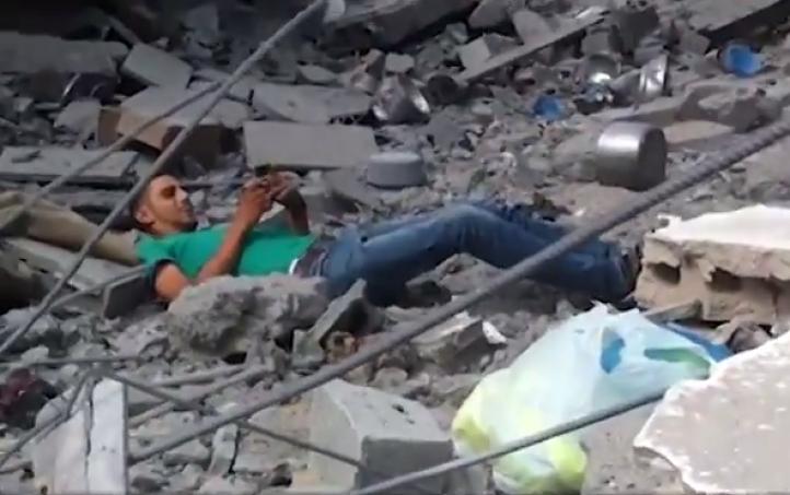 Graban a joven palestino cuando es abatido por un francotirador israelí