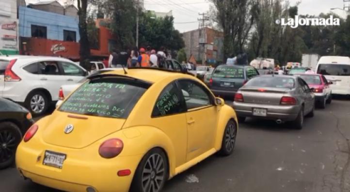 Camino a Xochimilco saturado de voluntarios