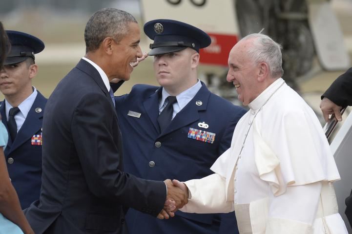 Recibe Obama al papa Francisco en Washington