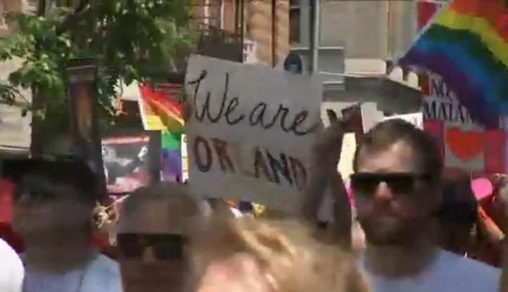 Miles participan en los desfiles del orgullo gay en EU y Costa Rica