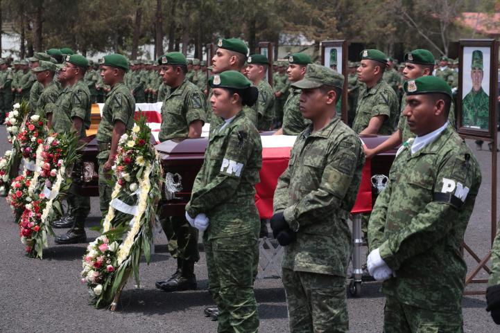 Militares caídos en Puebla reciben homenaje póstumo