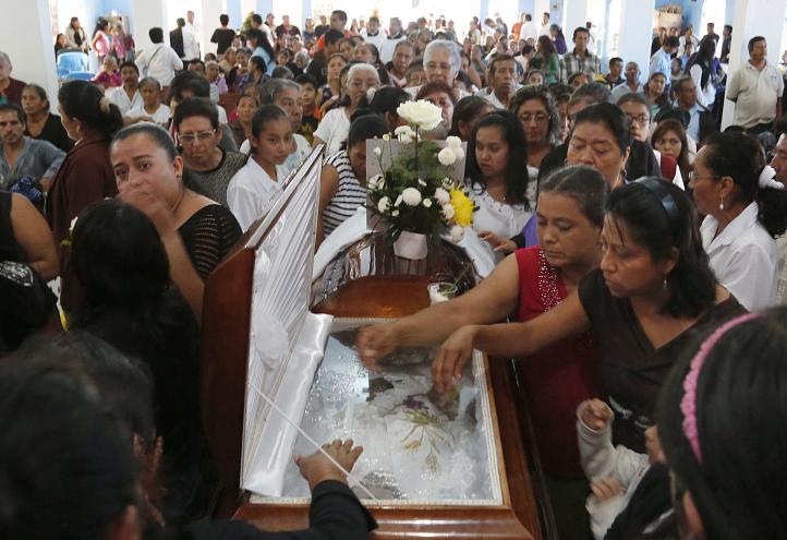 Recuerdan en misa a uno de dos sacerdotes asesinados