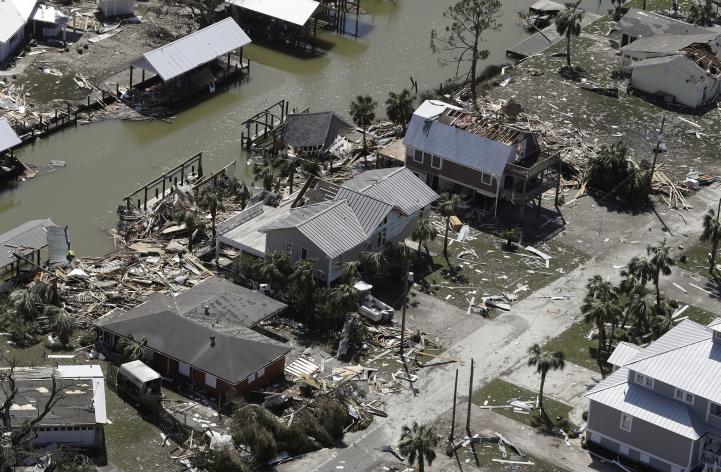 'Michael' azota Florida con vientos de hasta 250 km/h