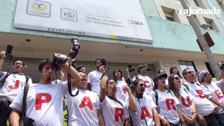 Marchan para exigir justicia en el caso de la Narvarte