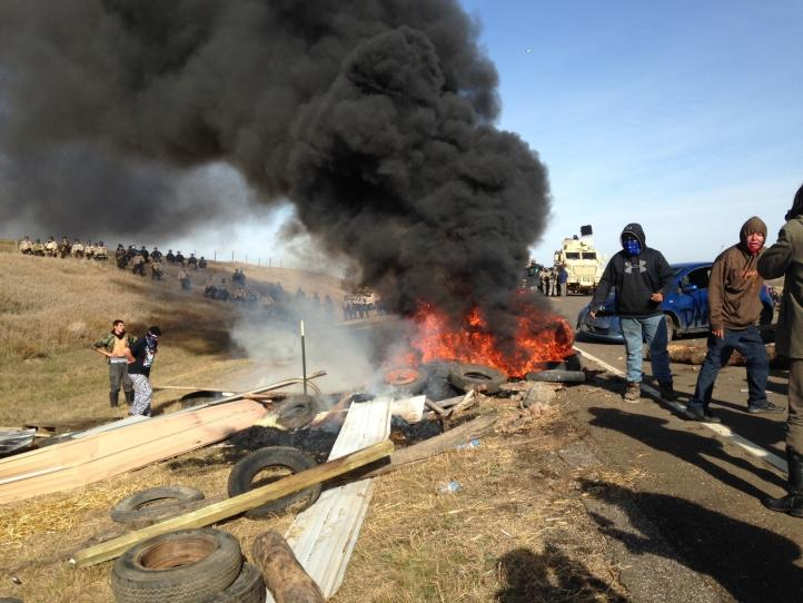 Arrestan a manifestantes contra oleoducto en Dakota del Norte